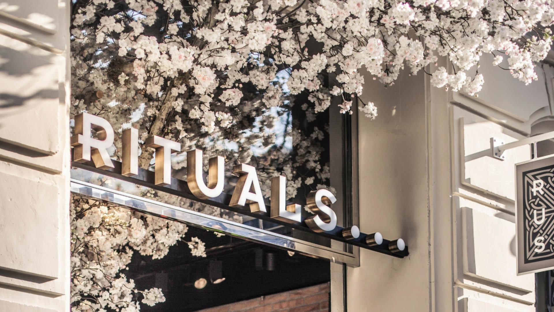 Rituals fasade med logo