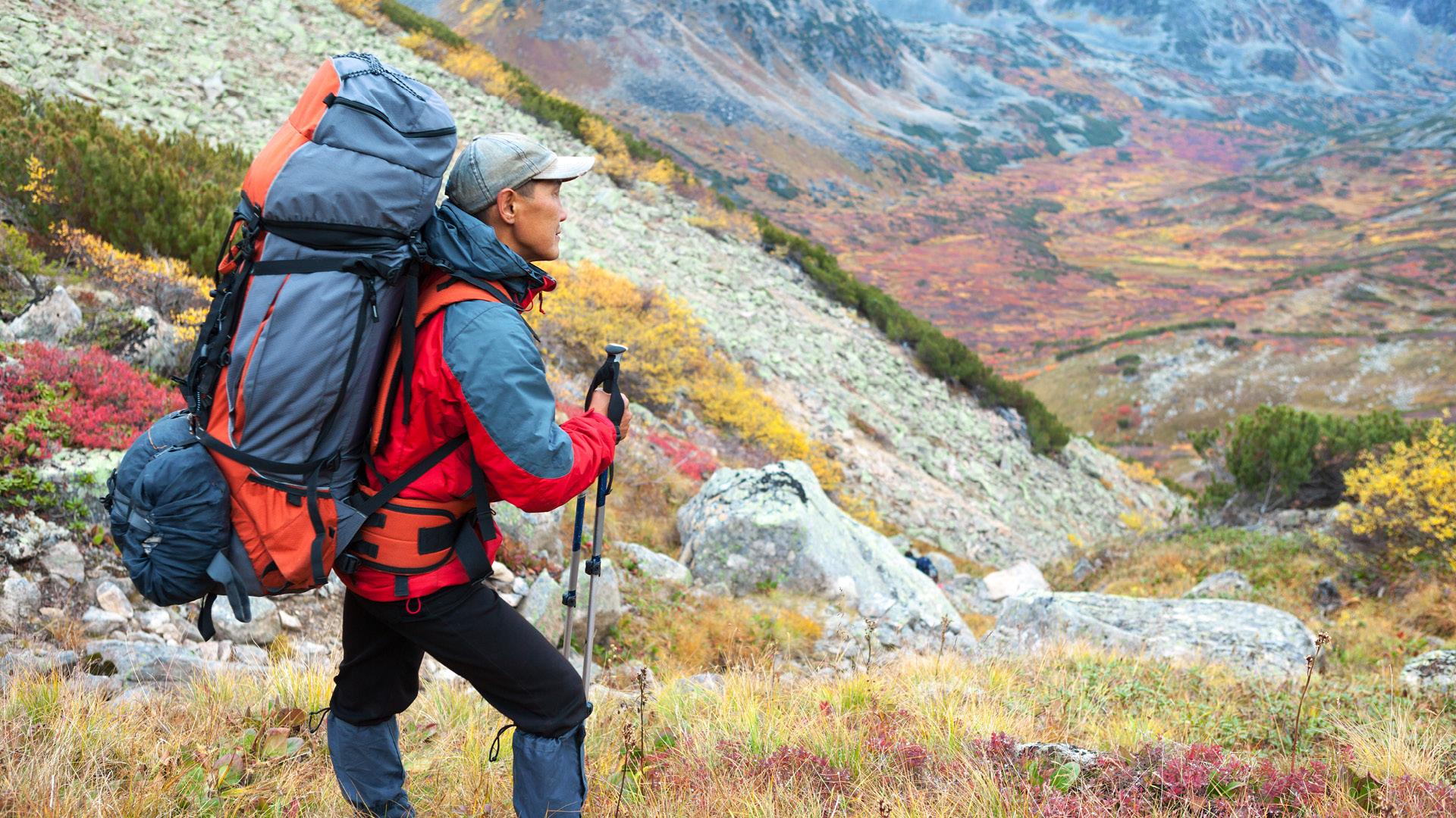 Turgåer med turklær i fjellet